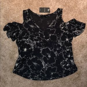 NWT Lucky Brand Cropped Cold Shoulder Top S